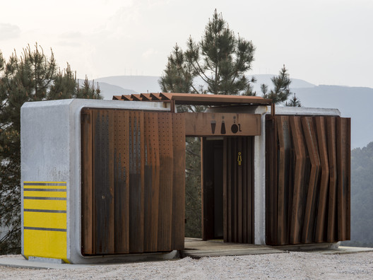 Ecological Public Restrooms in Trado  / MOL Arquitectura