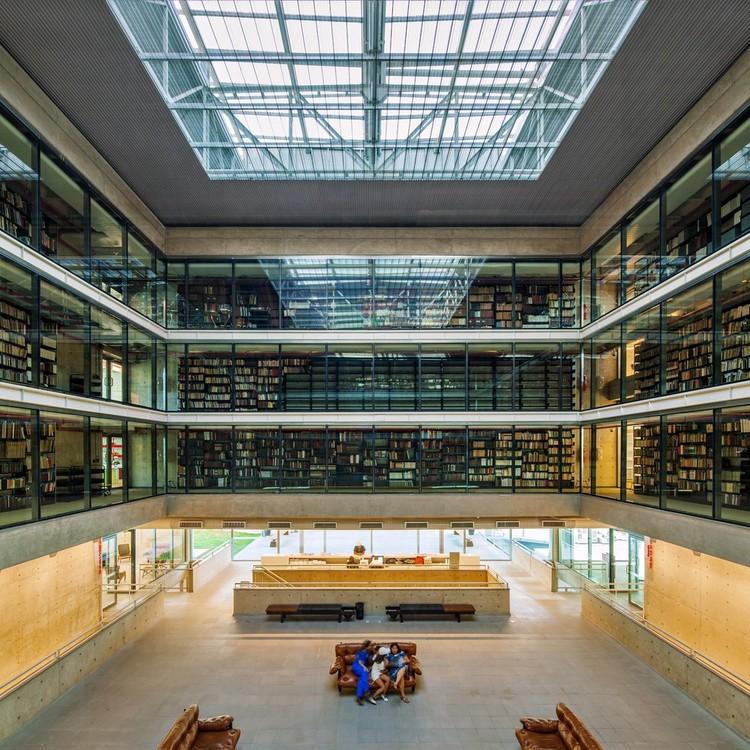 Mais de 3 mil livros, periódicos e mapas disponíveis gratuitamente para download na biblioteca da USP, Biblioteca Brasiliana / Eduardo de Almeida + Mindlin Loeb + Dotto Arquitetos. Imagem: © Nelson Kon