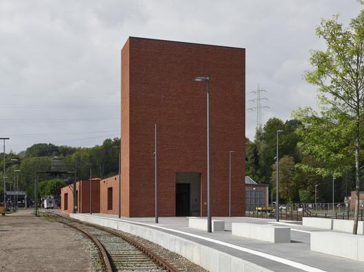 Railway Museum / Max Dudler
