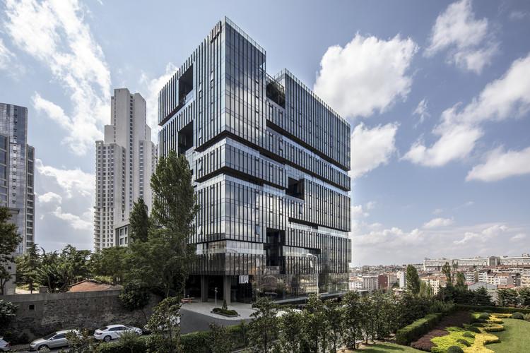 Edifício Corporativo Nowbomonti / Tabanlioglu Architects, © Emre Dorter