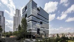Edifício Corporativo Nowbomonti / Tabanlioglu Architects