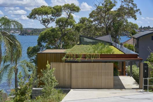 Bundeena Beach House / Grove Architects