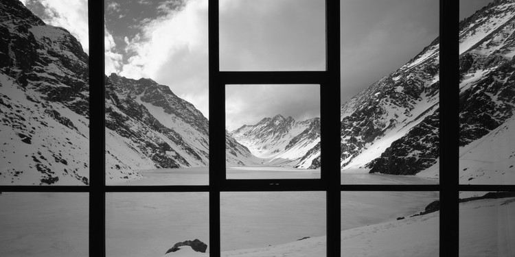 """Erieta Attali: """"Crio imagens que capturam a identidade do lugar"""", Max Nunez, Nicolas del Rio, House in Portillo, Chile. Image © Erieta Attali"""