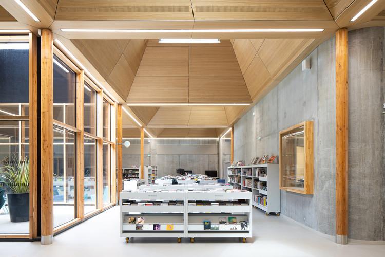 Pierre Veilletet Library / atelier d'architecture King Kong, © Arthur Péquin