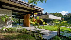 House BF / Paz Arquitectura