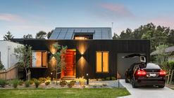 Casa Edgar St. / Alex Urena Design Studio