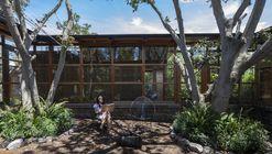 Casa entre árboles / El Sindicato Arquitectura