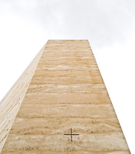 Capela de Campo Bruder Klaus / Peter Zumthor. Image © Samuel Ludwig