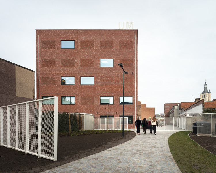 Ursulinen Blocks and Courtyards / Label Architecture, © Stijn Bollaert