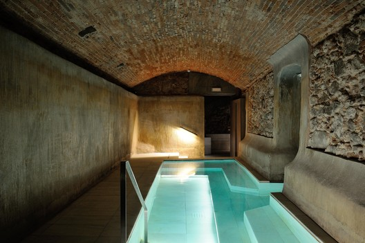 Espai CEL – Centro lúdico de agua termal / Arquetipus projectes arquitectònics