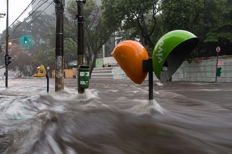 """Infraestrutura natural pode evitar desastres como as enchentes de Minas Gerais e São Paulo, Foto de <a href=""""https://visualhunt.co/a4/a3c97879"""">Fernando Stankuns</a> on <a href=""""https://visualhunt.com/re6/191245ce"""">Visualhunt</a> / <a href=""""http://creativecommons.org/licenses/by-nc-sa/2.0/""""> CC BY-NC-SA</a>"""