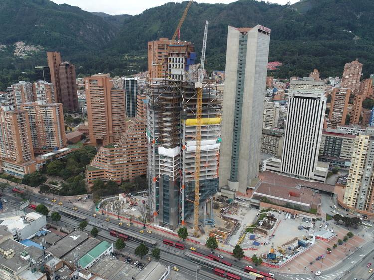 ¿Cuál es el proceso para gestionar licencias para construir en Colombia?, Estado de avance de construcción de la Torre Norte de ATRIO en abril de 2018. Image © Daniel Rodriguez Estrada / ATRIO
