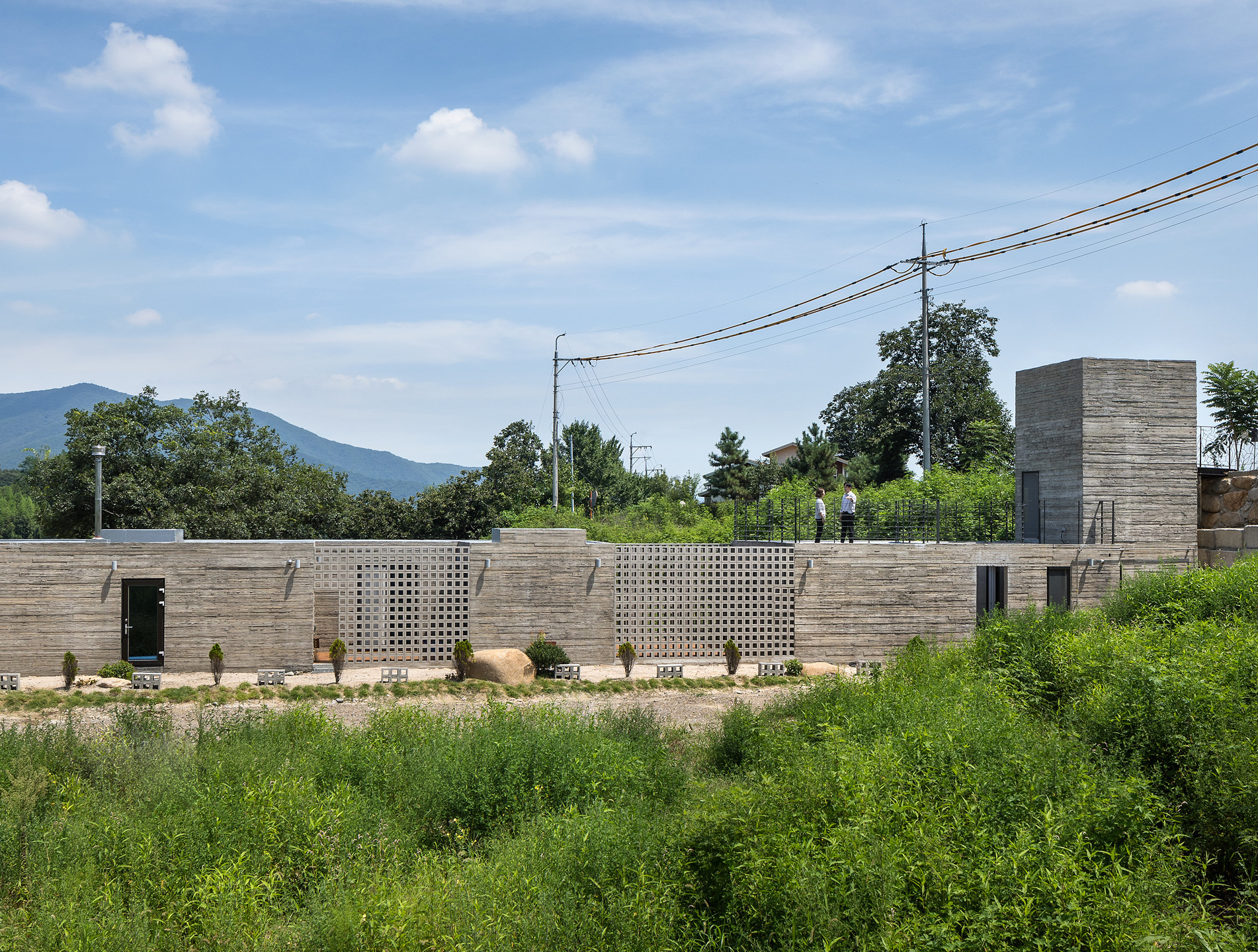 Train House / ON Architecture INC.