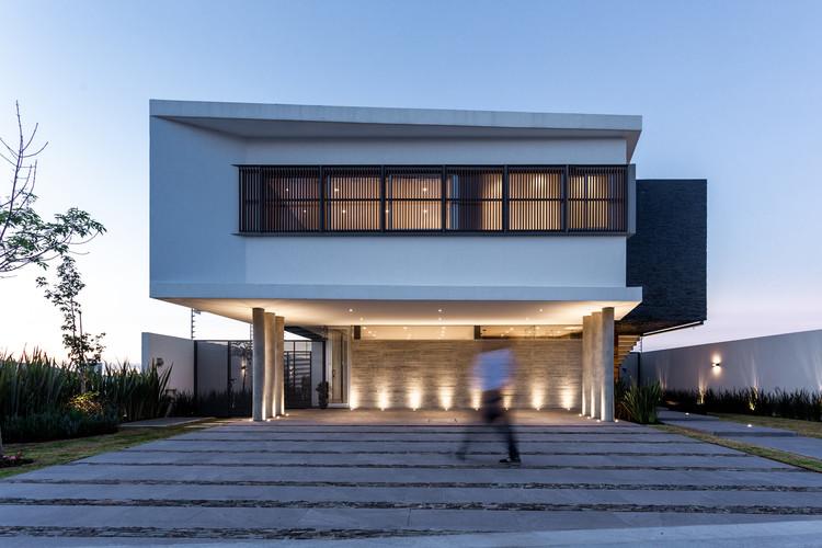 Casa Bosques / Hidalgomashidalgo arquitectos, © AVEH STUDIO