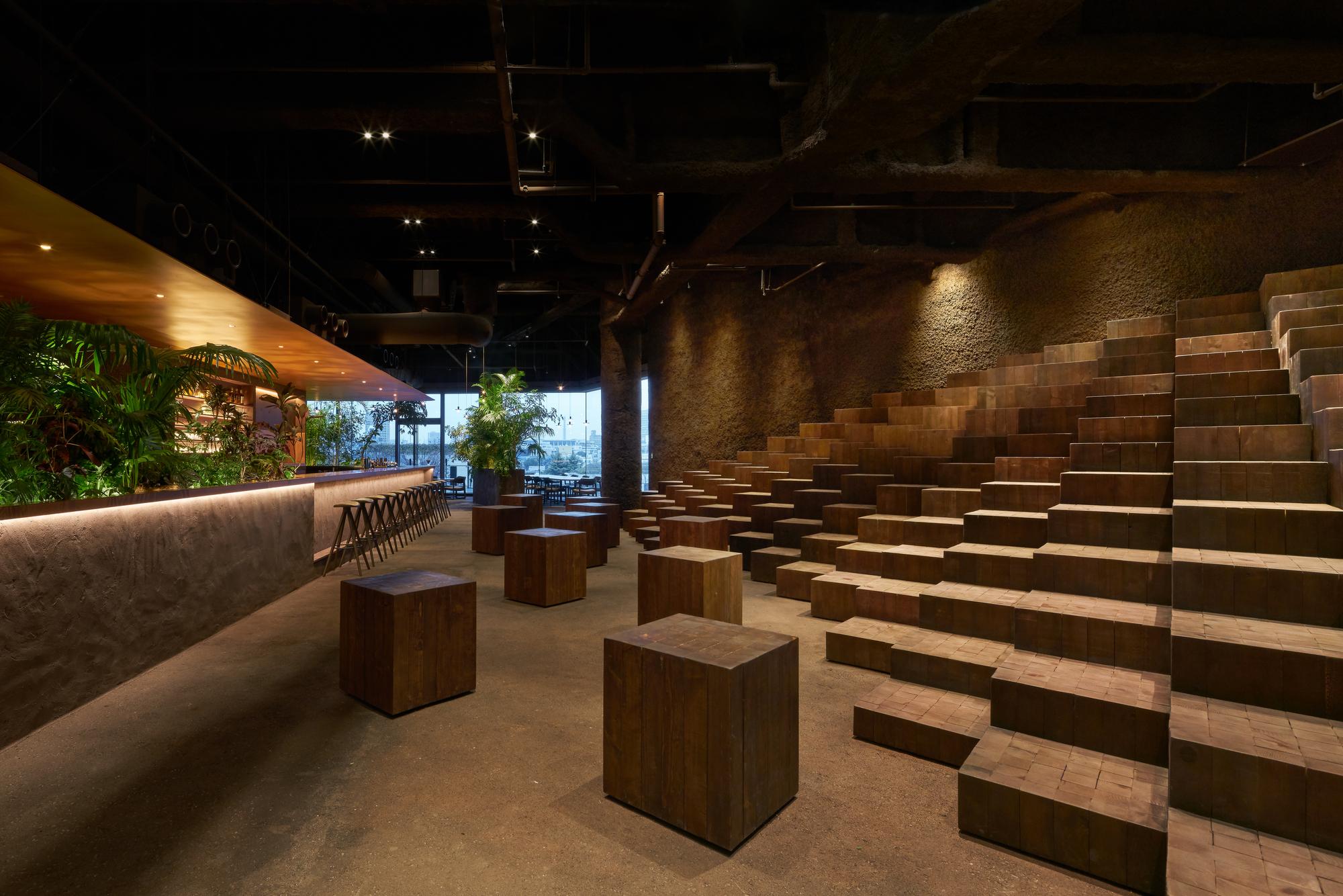 GYRE.FOOD Restaurants & Shops / Atelier Tsuyoshi Tane Architects