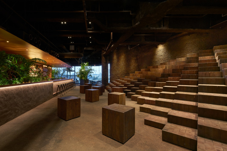 GYRE.FOOD Restaurants & Shops / Atelier Tsuyoshi Tane Architects, © Daici Ano