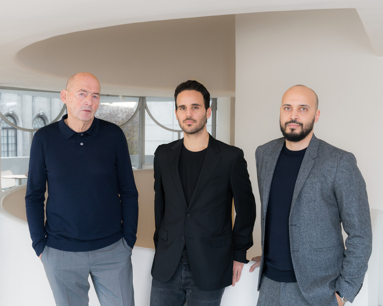 Rem Koolhaas; Troy Conrad Therrien, Curator of Architecture and Digital Initiatives, Solomon R. Guggenheim Museum; Samir Bantal, Director of AMO. Image © Kristopher McKay © Solomon R. Guggenheim Foundation, 2019.