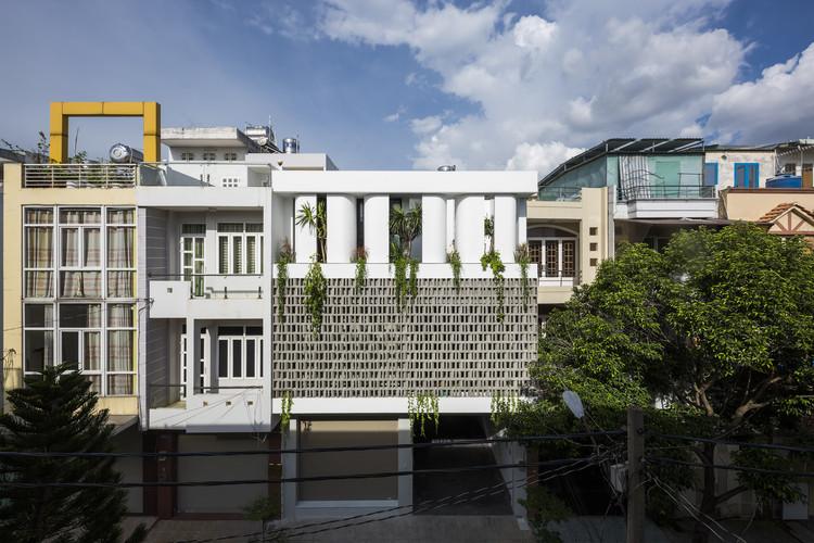 House for a Daughter  / Khuon Studio, © Hiroyuki Oki