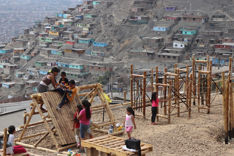 Domus: Programas de construcción en bambú para poblaciones vulnerables de Perú, Cortesía de Yameli Rosmery Segura Moreno, Universidad Privada del Norte, Sede Comas.