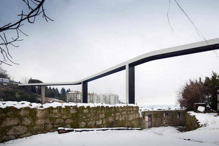 Acervo de Carrilho da Graça será incorporado pela Casa da Arquitectura, Ponte sobre a Ribeira da Carpinteira na Covilhã. Imagem © Fernando Guerra   FG+SG