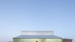 Galpão Branco / Atelier 111 Architekti