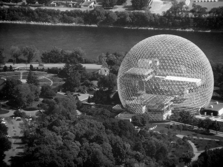 20 Steel Projects from the 20th Century, Montreal Biosphere / Buckminster Fuller. Image © Flickr user abdallahh