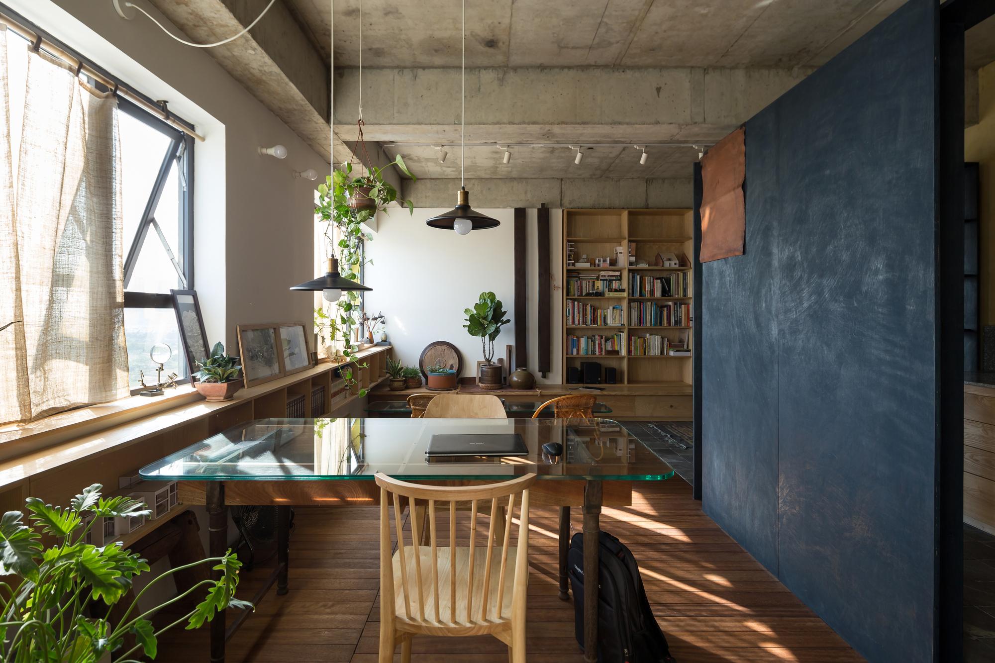 1110 apartment / atelier12