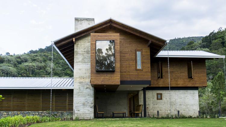 Bosque House / A20 Arquitectos, © Luis Sabater
