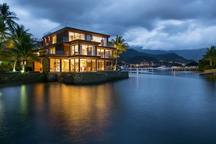 Casa Pedra Madeira / MAAI Arquitetos Associados, © Haruo Mikami
