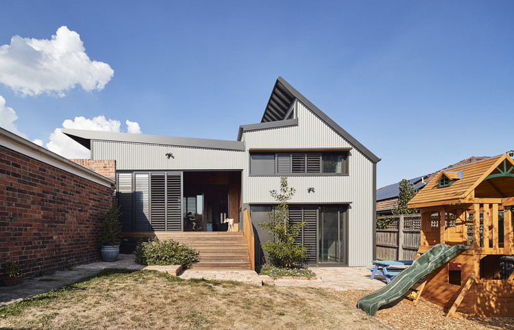 Glen Iris House / PHOOEY Architects, © Peter Bennetts