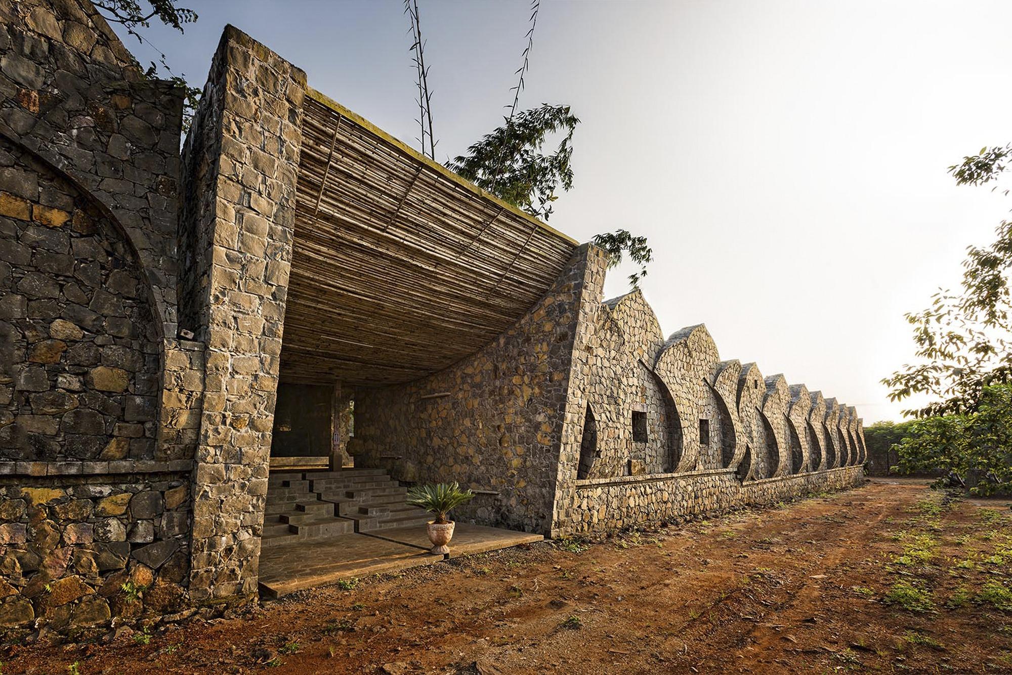 Kondan Retreat Resort / PMA madhushala
