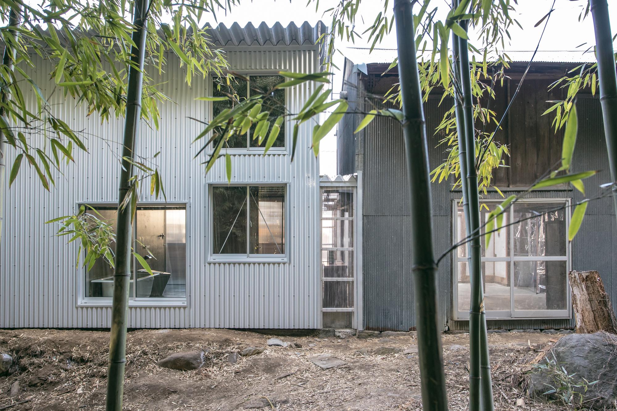 House in Mihari / Noriaki Hanaoka Architecture