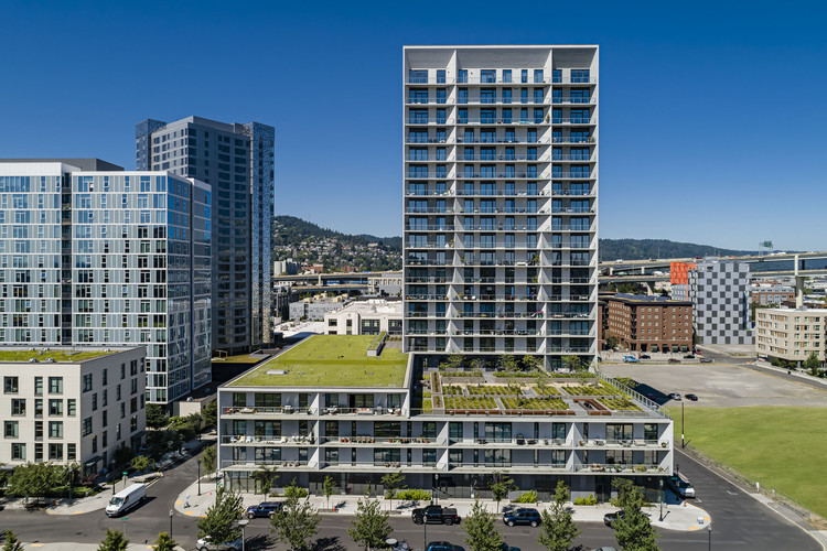 Vista North Pearl Condominiums / Bora Architects, © Lincoln Barbour