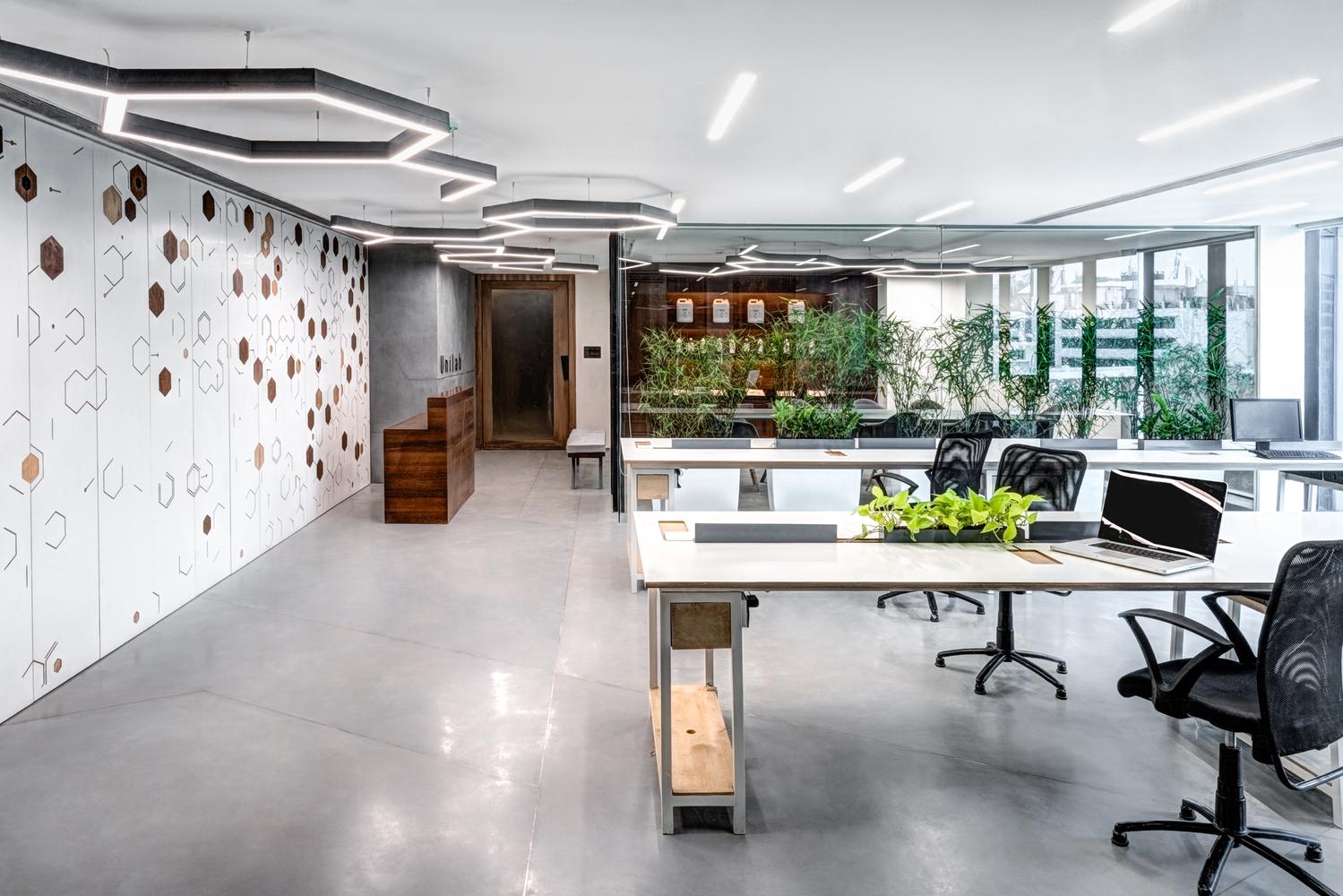 Unilab Pharma Office / SAV Architecture + Design