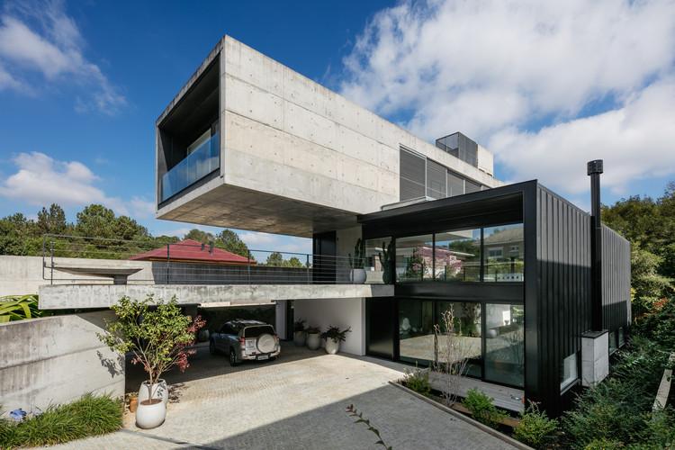 Casa BRM / Biselli Katchborian Arquitetos, © Nelson Kon