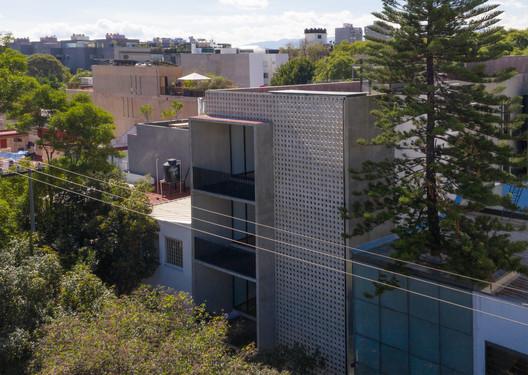 Apartamentos Concepción Beistegui / Miguel de la Torre Arquitectos