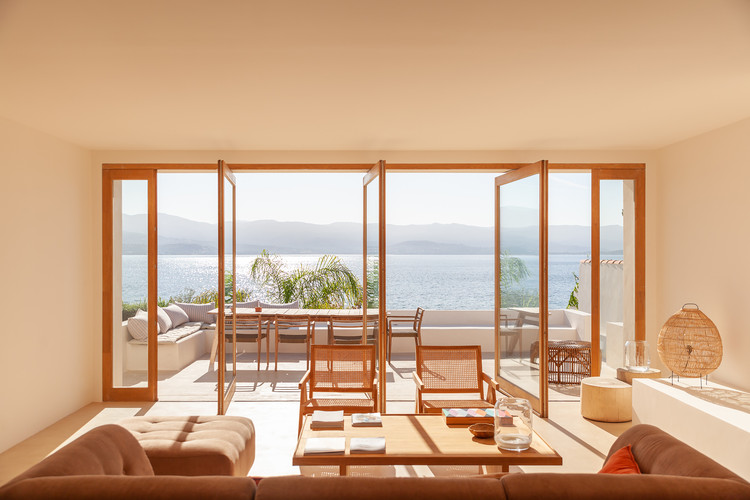 Santa Teresa House / Amelia Tavella Architectes, © Thibaut Dini