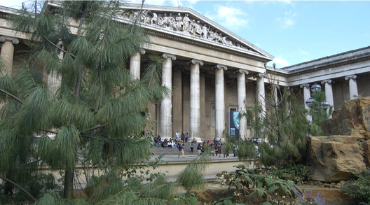 Those who reject Classical and traditional architectures out of hand fail to recognize their important biophilic qualities, emerging from evolution and refinement over centuries to produce some of the most successful, well-loved and enduring places in the world — like the British Museum in London. Photo: Michael Mehaffy