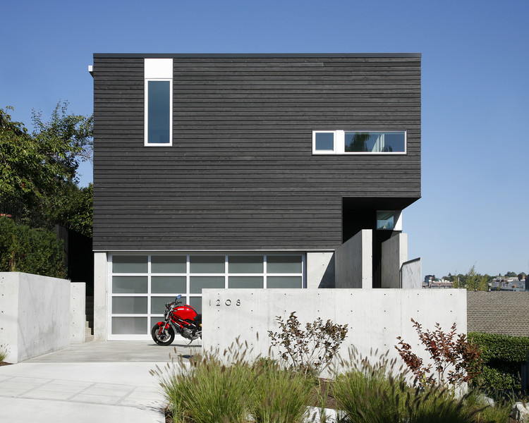 Cantilever House / Robert Hutchison Architecture, © Mark Woods Photography