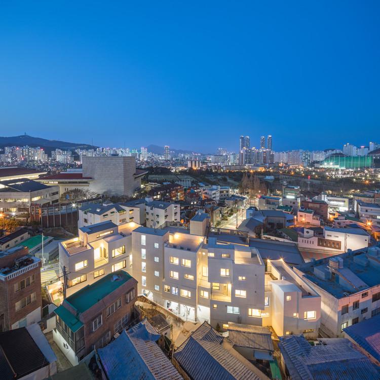 Mo Yeo Ga Apartment Building / Architects Group RAUM, © Yoon Joon-Hwan