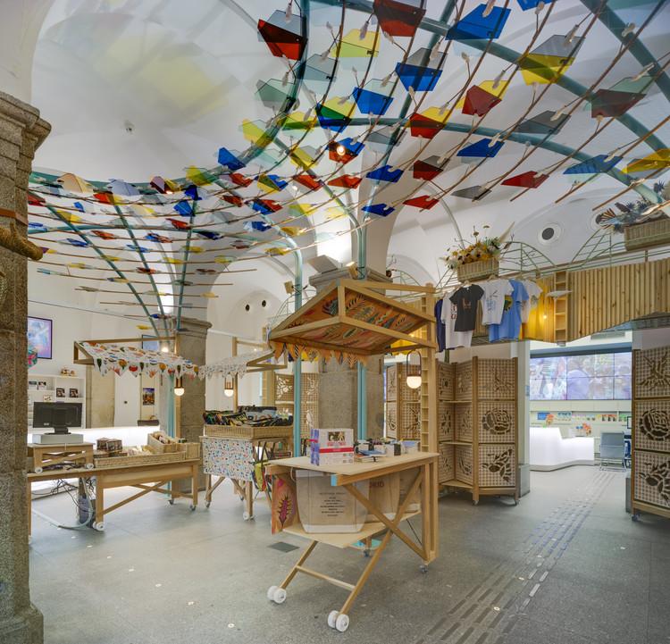 Made in Madrid! Tienda de regalos y punto de información / Izaskun Chinchilla Architects, © David Frutos