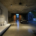 03   Living and Dining spaces by day - Pia's Villa / MMGS ARCHITECTS: Biệt thự hiện đại trên đồi với không gian thoáng tự nhiên