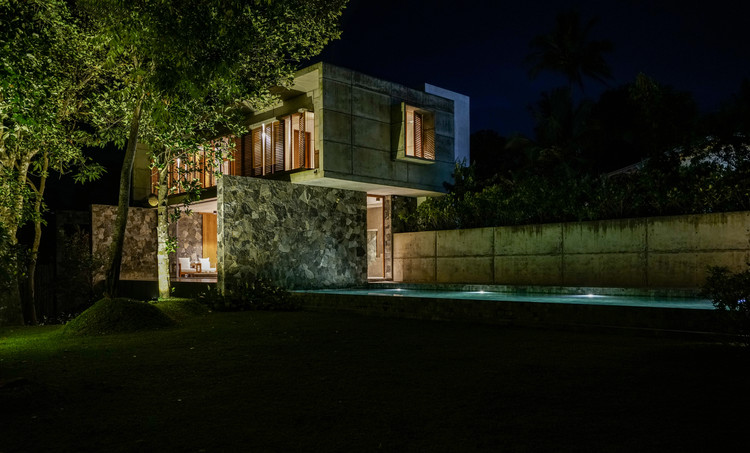 06a   From Pool Lawn by night - Pia's Villa / MMGS ARCHITECTS: Biệt thự hiện đại trên đồi với không gian thoáng tự nhiên