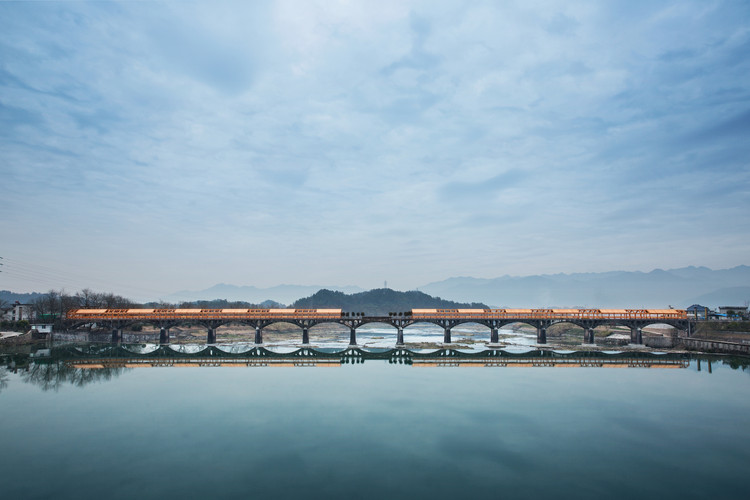 2020 Asia Pacific Architecture Festival, Shimen Bridge by DnA Design and Architecture. Photography: Wang Ziling