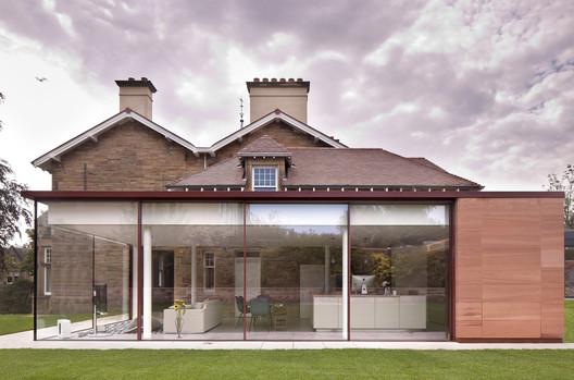 Edinburgh Pavilion  / Archer + Braun