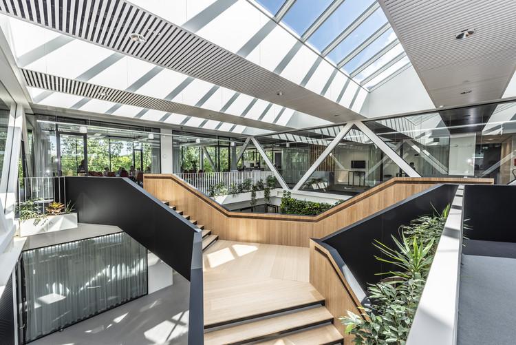 Besix Dordrecht Offices / RoosRos Architecten, © Luuk Kramer