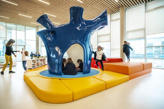 St. Andrew's Scots School / Rosan Bosch Studio