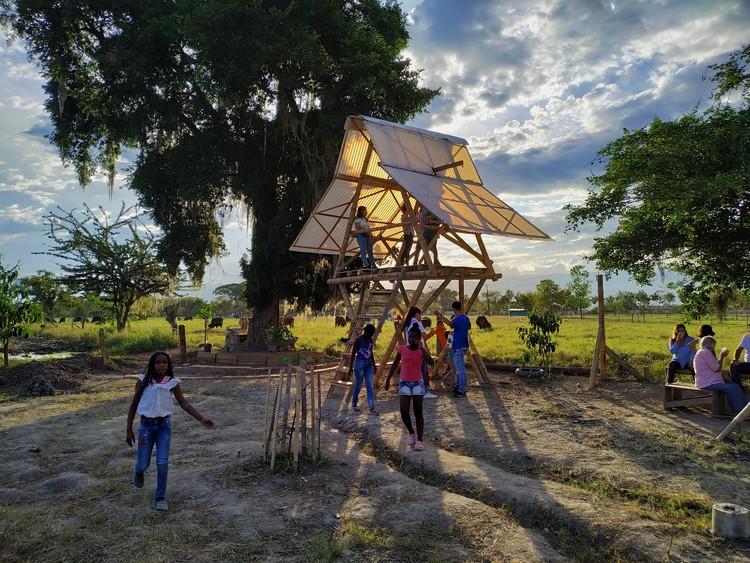 Arquitectura en guadua: el taller de Urbanautas en Risaralda, Colombia, © Media Corv - El comienzo del Arcoiris