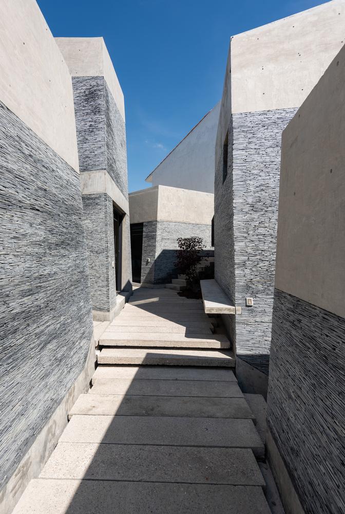 Amanali House / Rojkind Arquitectos