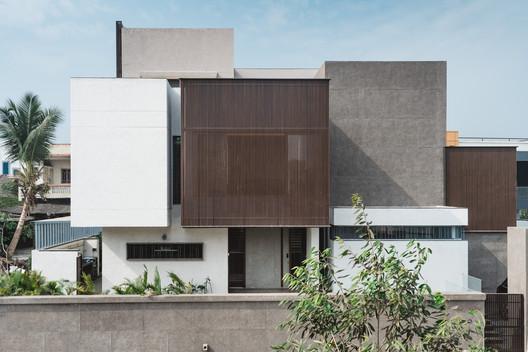 Sarpanch House / Neogenesis+Studi0261